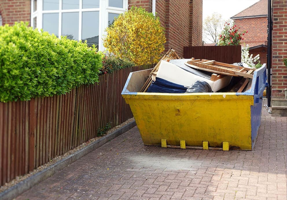 builders-skip-hire-York-full-skip