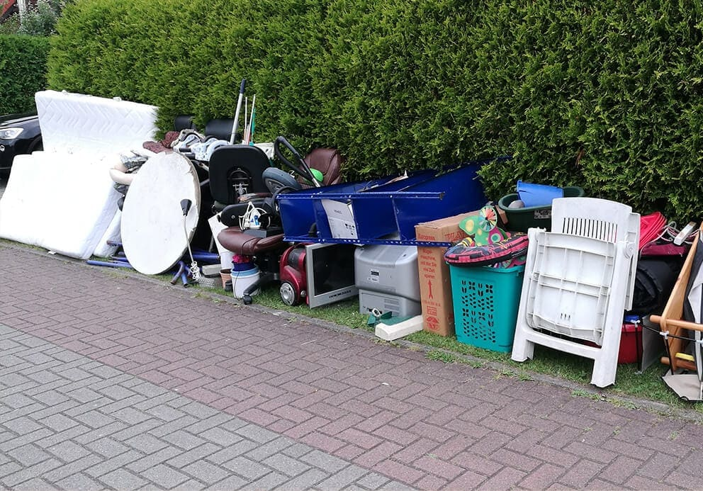 bullky-waste-and-furniture-collection-Huntington-driveway